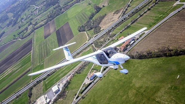 Elektrisch vliegtuig geland in Rotterdam