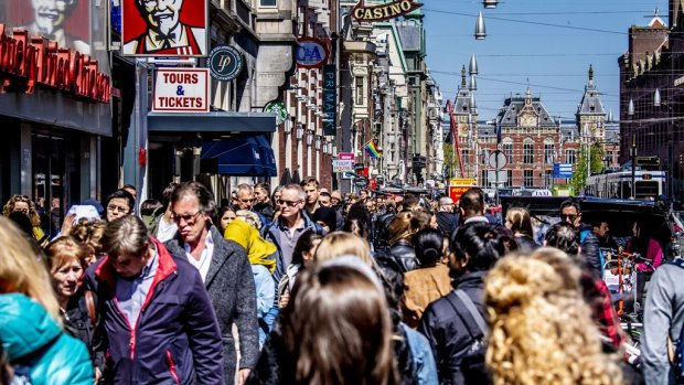 Nederland, herrieland | Kaffee voor Merkel in Torentje