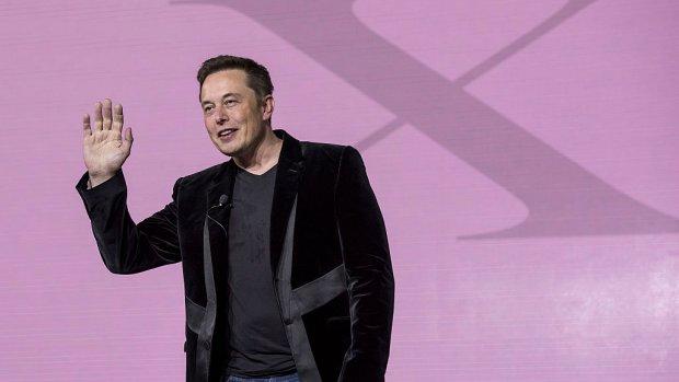 Van 1 aprilgrap tot patent: Musk wil naam Teslaquila vastleggen