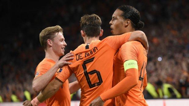 Oranje legt aartsrivaal Duitsland over de knie