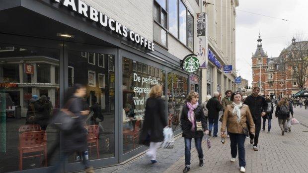 Starbucks sluit kantoor in Amsterdam, 190 mensen verliezen baan