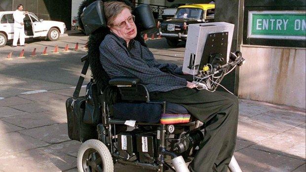 Rolstoel overleden Stephen Hawking geveild