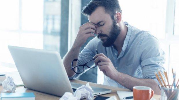 Een derde werknemers overweegt ontslag om stress door personeelsgebrek