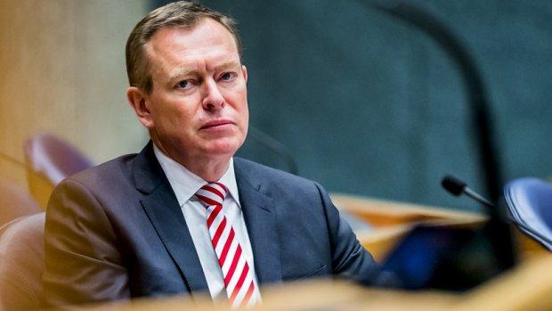 Weer onrust in Kamer over rol minister Bruins bij faillissemen...