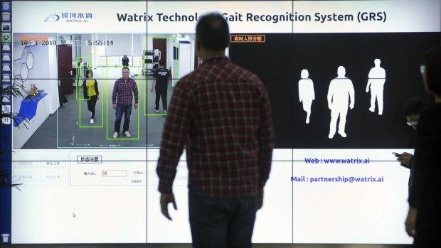 Chinese beveiligingscamera's herkennen mensen aan hoe ze lopen