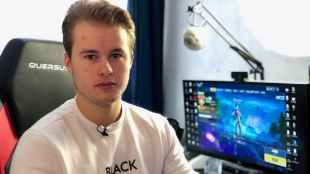 Game-YouTuber Royalistiq trekt volle zalen met live Fortnite