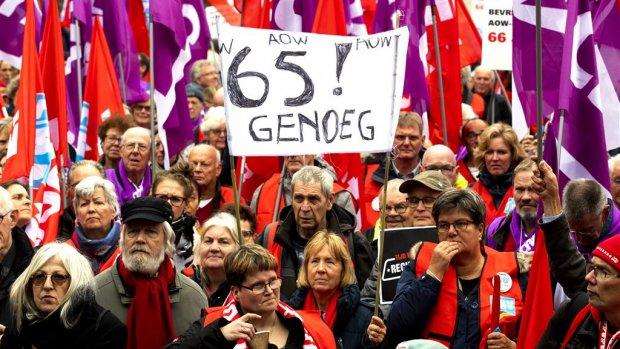Demonstratie op de Dam: betogers eisen socialer Nederland