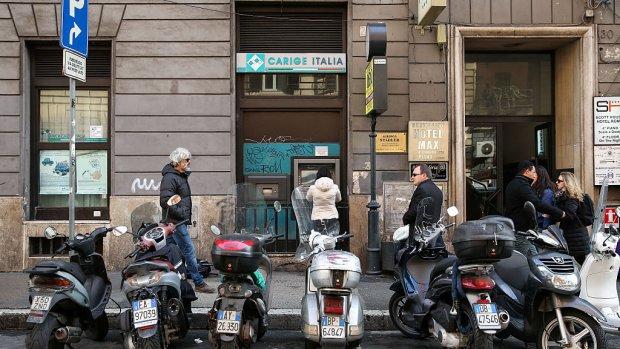 Ingestorte brug dreigt een Italiaanse bank fataal te worden