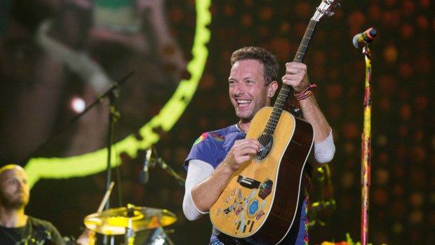 ZIEN: Lachen, huilen en dansen in Coldplay-docu