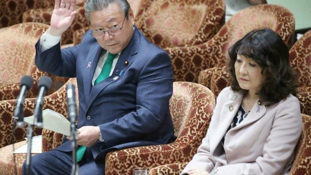 Japanse cyberminister heeft nog nooit met computer gewerkt