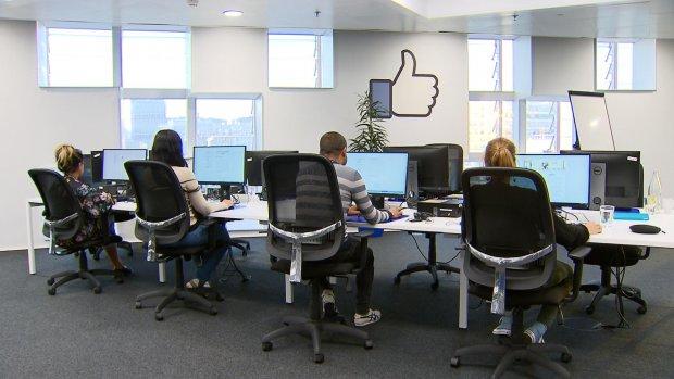 Op bezoek bij Facebook: deze mensen houden je tijdlijn schoon