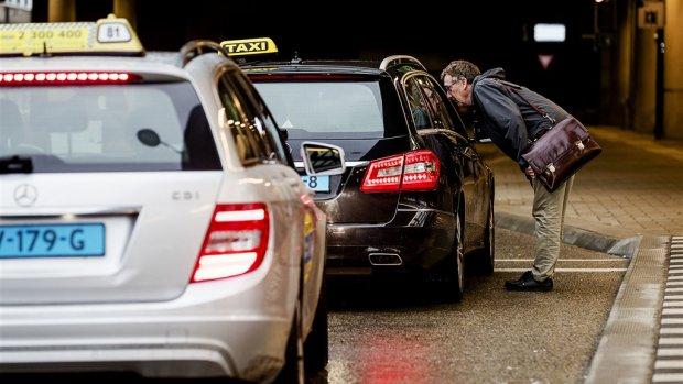 NS breidt taxiservice uit, concurrentie niet echt onder de indruk