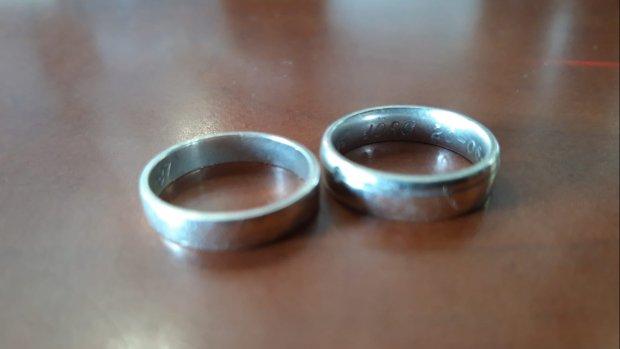 Pinstoring bij het tankstation: vrouw laat trouwringen achter als borg