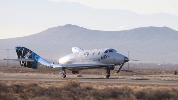 Ruimtetoerisme stap dichterbij na testvlucht Virgin Galactic