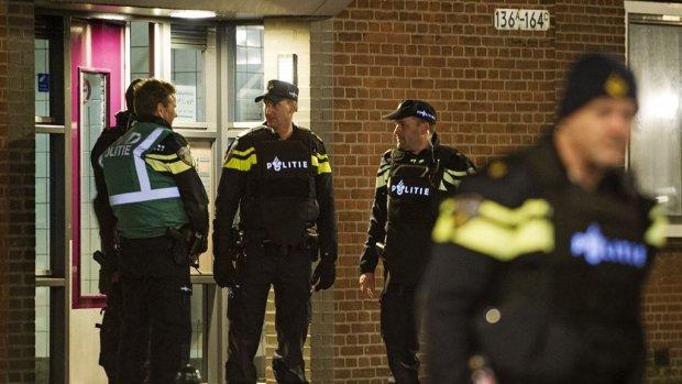 Blote blokfluitspeler op balkon wordt gezocht in IJsland