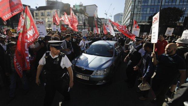 Uber moet Britse chauffeurs als werknemer behandelen