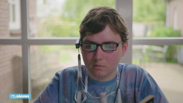 Nieuw apparaatje maakt slechtziende Joric (18) een stuk zelfstandiger