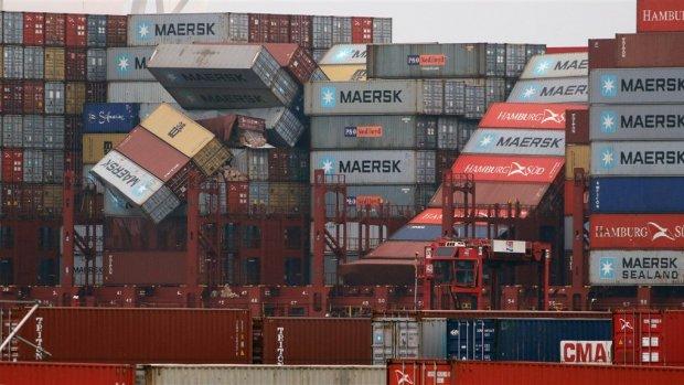Wie gaat betalen voor de spullen die in de Noordzee drijven?