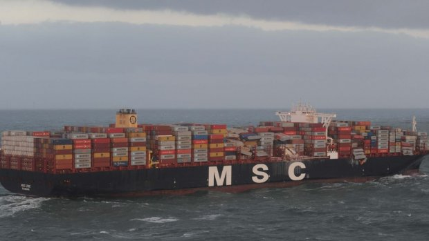Strafrechtelijk onderzoek naar overboord geslagen containers