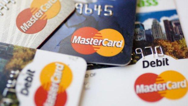 Namedropping 2.0: Mastercard schrapt naam uit eigen logo