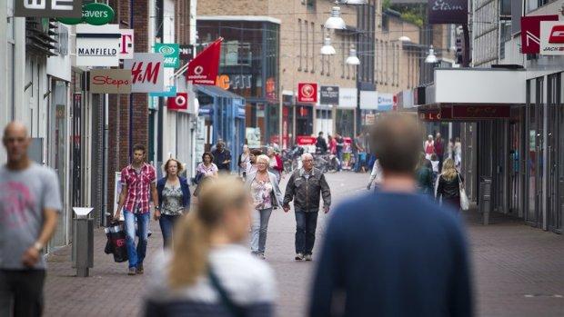 Nederlanders werken bovengemiddeld vaak 's avonds en op zondag