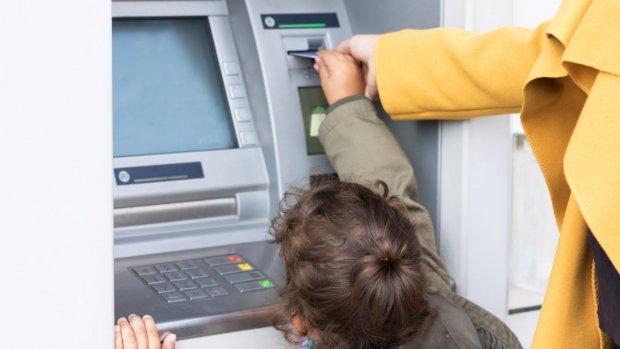 Banken strijden om je kind: willen klanten voor het leven