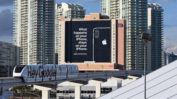 'Apple neemt klokkenluider Facebook aan voor privacyteam'