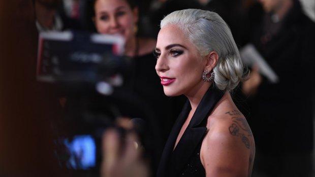 Lady Gaga verwijdert samenwerking met R. Kelly van iTunes