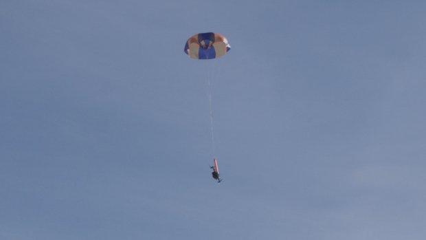 DJI mag dankzij drone-parachute boven mensenmassa's vliegen