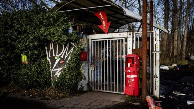 Eigenaar ADM-terrein wil schade krakers op gemeente verhalen