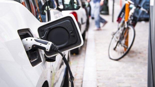 'Nieuw materiaal laadt elektrische auto in 6 minuten op'