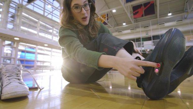 Zelfstrikkende Nike-schoenen in februari op de markt
