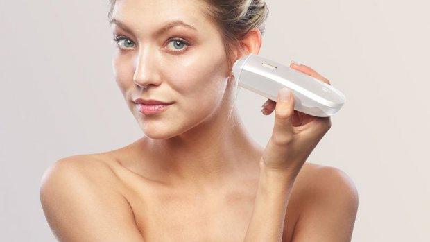 Deze gadget 'print' make-up op je huid