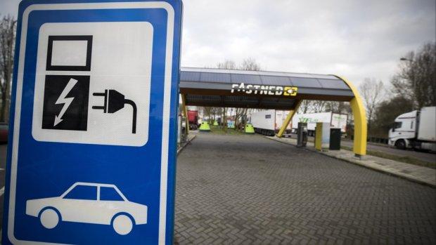 Rijkswaterstaat weigerde onterecht vergunning voor toilet bij Fastned