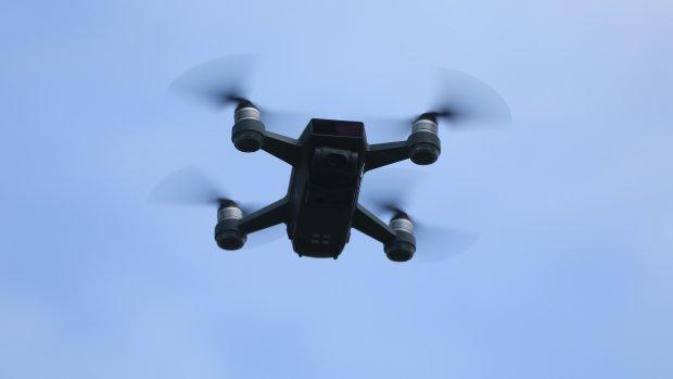 Betogers in Chili halen drone van politie met lasers neer
