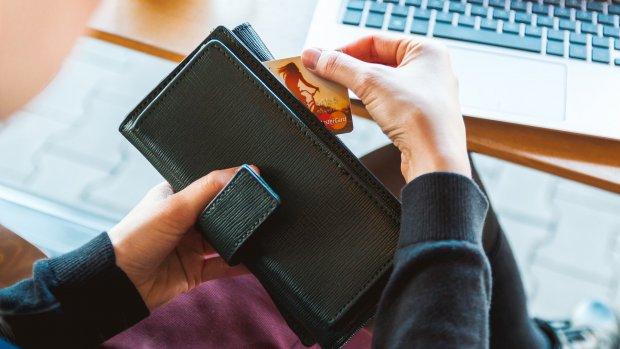 Niet zo snugger: een op vijf gebruikers bewaart pincode bij creditcard
