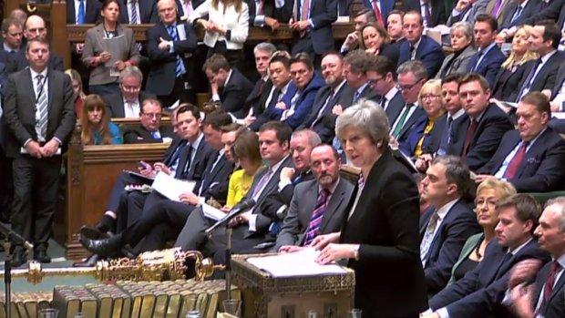 Brits parlement stemt tegen brexit zonder deal, donderdag stemming over uitstel