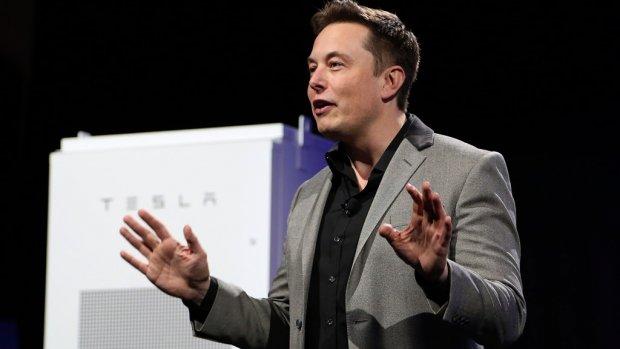 Elon Musk steekt draak met 'shit' van concurrent Audi