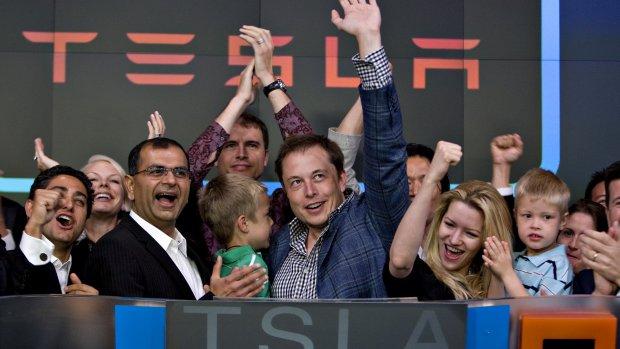 Tesla's financiële topman vertrekt, opvolger is 34