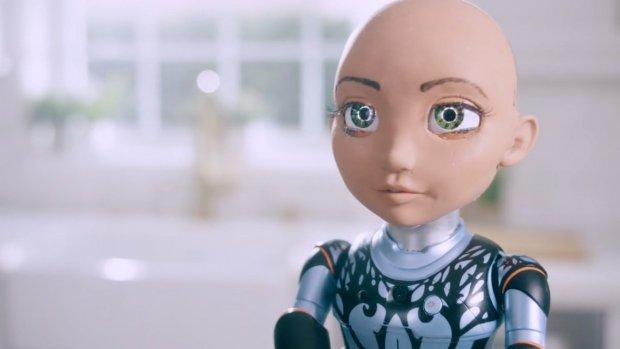 Beroemde robot Sophia heeft zusje: een leerzame speelgoedpop