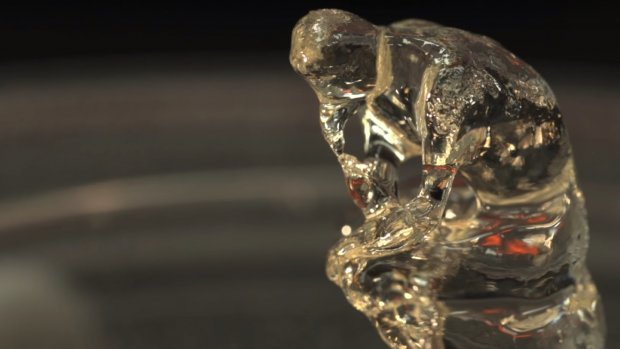 Dit apparaat 3D-print hele objecten in één keer
