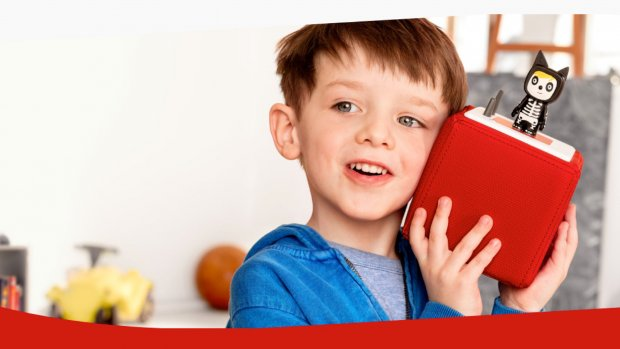 Deze speelspeaker laat kinderen naar boeken luisteren