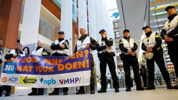 Politieprotest tegen pensioenleeftijd: 'Ongezond en onveilig'