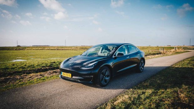 Tesla Model 3 in Nederland: 'Achterbank is enige nadeel'