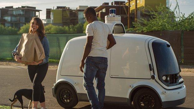 Softbank steekt miljard in zelfrijdende auto's