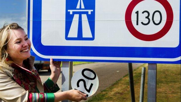 Met 130 km/u naar huis: 'Harder rijden veroorzaakt meer file'