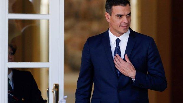 Spaanse premier mist steun en kondigt verkiezingen aan