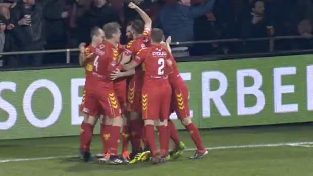 Gekkenhuis in Deventer: 6 doelpunten na 45 minuten
