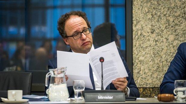 Minister waarschuwt: bevriezen AOW-leeftijd kost werkenden veel geld