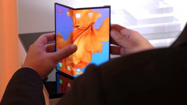 Huawei stelt lancering opvouwbare Mate X uit